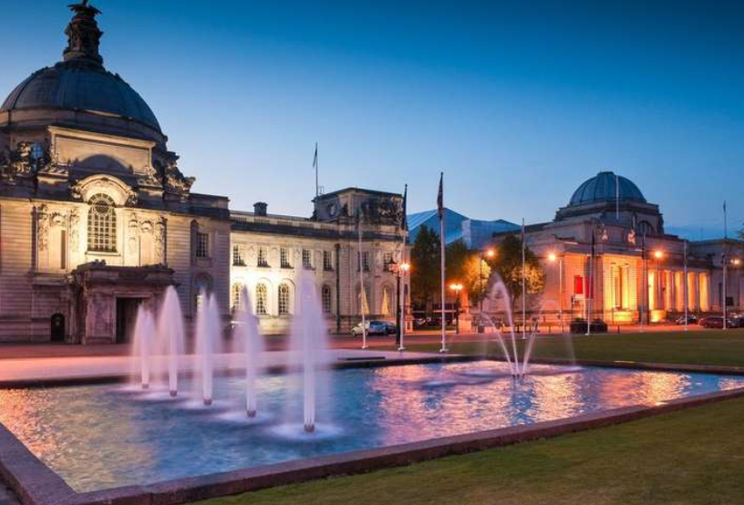 Cardiff fontijn by night